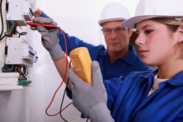 Thợ sửa điện tại nhà uy tín